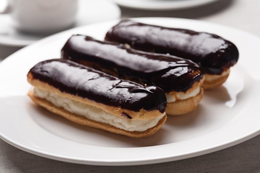 Эклеры в шоколадной глазури рецепт
