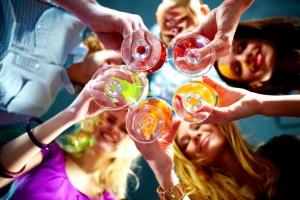 Как пить алкогольные напитки