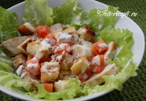Салат цезарь с курицей и сухариками рецепт с фото