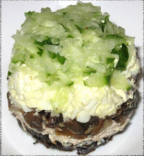 Салат с курицей и грибами орехами слоями рецепт с 6