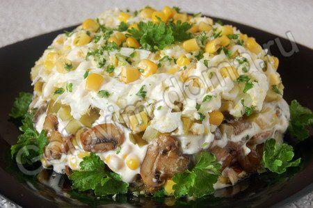 салат с грибами и курицей фото рецепт