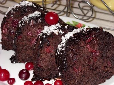 Рецепт шоколадного кекса с вишней с фото