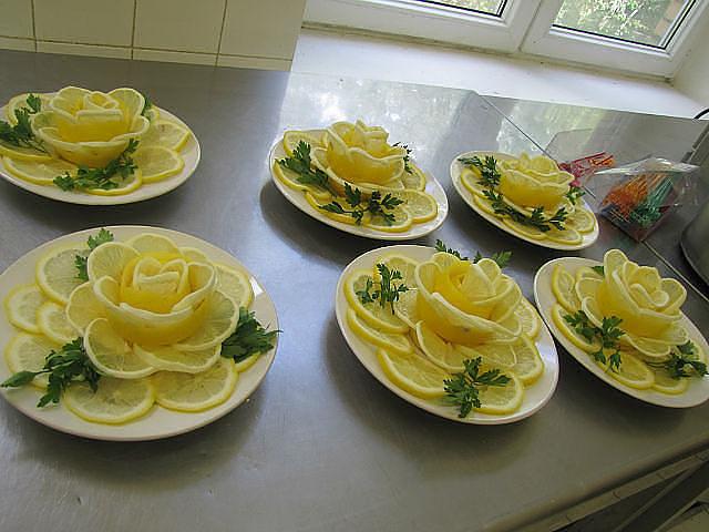 Сервировка блюд праздничного стола своими руками фото