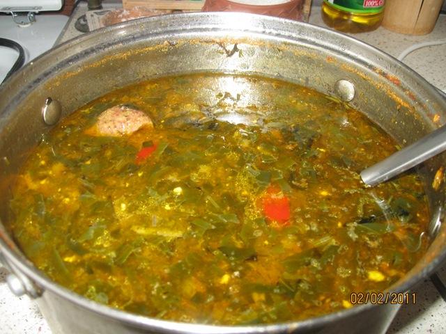 Как приготовить зеленый борщ с щавелем и яйцом рецепт с пошагово