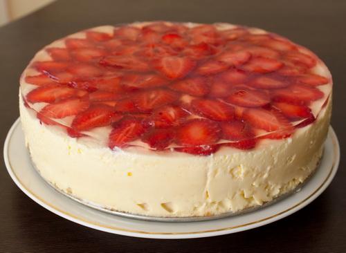 Творожный торт с клубникой с фото