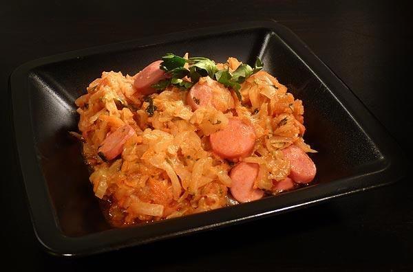 Капуста тушеная с сосиской в духовке рецепт пошагово 12