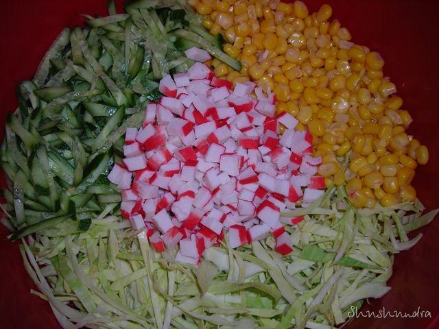 Салат с крабовыми палочками кукуруза и капуста