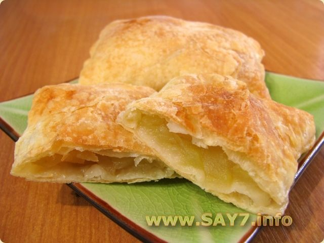 Пирог слоеное тесто с яблоками рецепт с фото пошагово в духовке