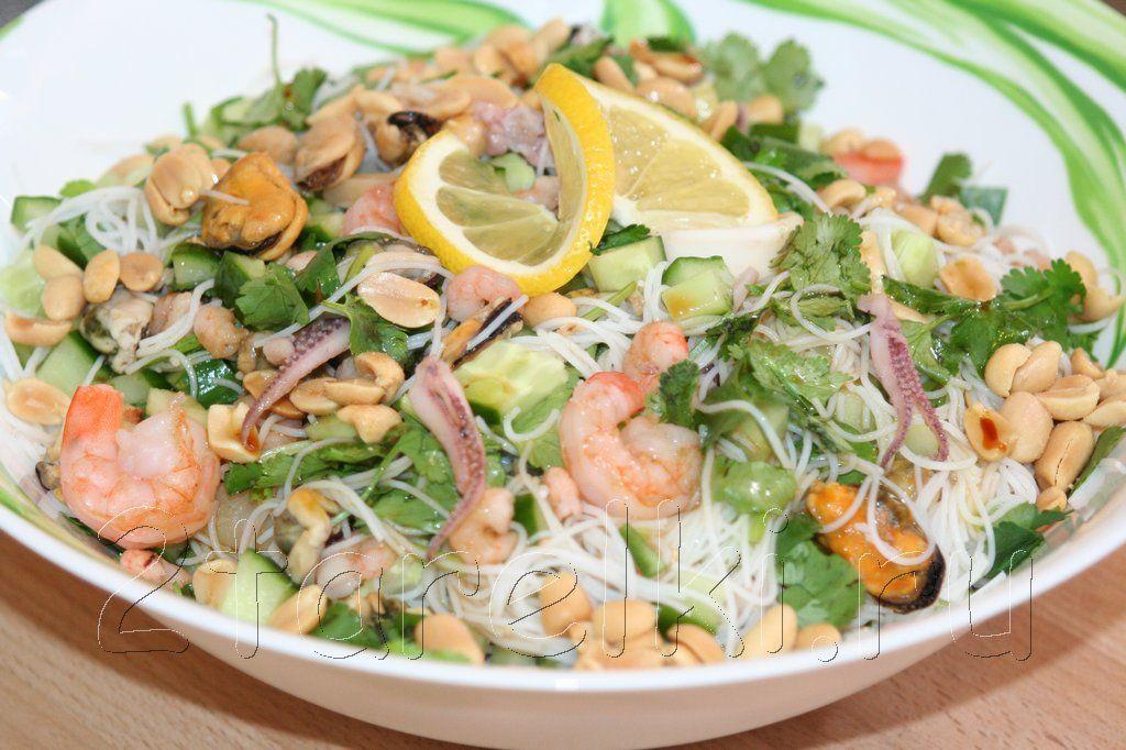 Рецепт вкусного салата с морепродуктами с фото